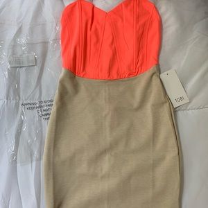 Tobi strapless dress - size small